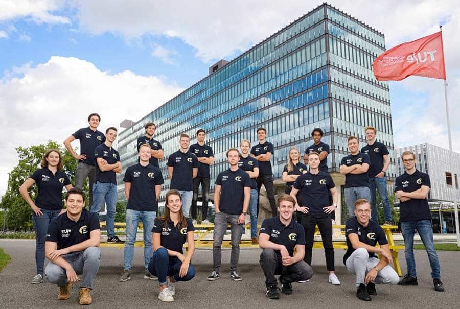 Solar-Team-Eindhoven-Group-Photo-Web